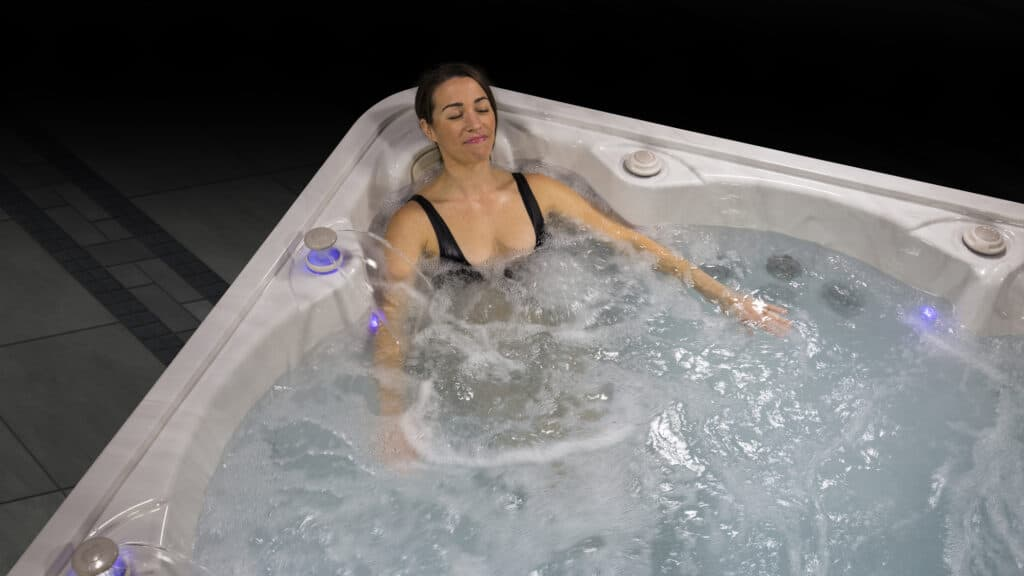 5900 Hydrotherapy therapeutic hot tub